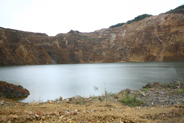 mamut copper mine, pollution, mining, lake, crater
